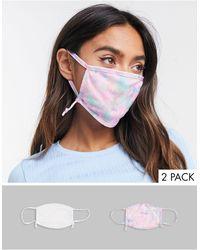 Skinnydip London Esclusiva - Confezione da 2 mascherine con laccetti regolabili bianco tinta unita e con stampa tie-dye - Multicolore