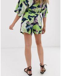 ASOS Pantalones cortos con estampado tropical - Multicolor