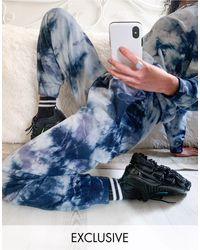 Noisy May Joggers con diseño tie dye azul y blanco exclusivos