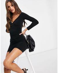 Flounce London Vestido corto ajustado en color negro con frunces y escote Bardot