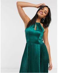 Chi Chi London Сине-зеленое Атласное Платье Миди С Небольшим Вырезом -зеленый