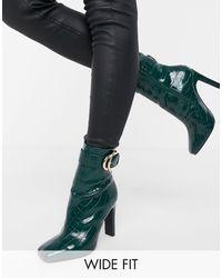 ASOS – Envy – Hohe Ankle-Boots mit Schnalle, Kroko-Prägung und weiter Passform - Grün