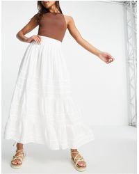 ASOS Falda midi blanca con detalle plisado - Blanco