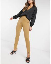 Fashionkilla Pantaloni slim con spacco davanti color cammello - Neutro