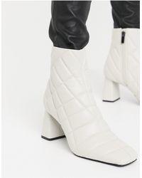Stradivarius Quilt Detail Heeled Boots - Natural