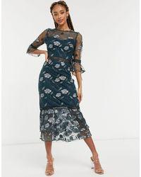 Chi Chi London - Темно-зеленое Платье Миди С Вышивкой И Оборками На Рукавах Aislinn-зеленый Цвет - Lyst