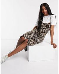 Boohoo Vestito T-shirt sottoveste midi a strati leopardato - Multicolore