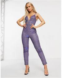 Club L London Фиолетовый Комбинезон На Бретельках С Глубоким Вырезом И Эффектом Металлик - Пурпурный
