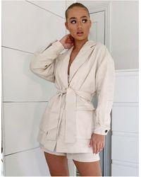 ASOS Blazer da abito multitasche con cintura color avorio - Bianco