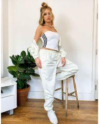 adidas Originals Бежевые Джоггеры Из Бархата С Манжетами Comfy Cords-белый