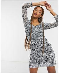 ONLY – Netzstoff-Minikleid mit Raffung vorne und Zebraprint - Mehrfarbig