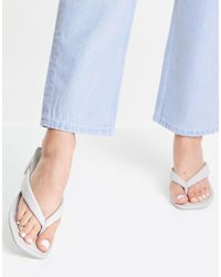 Pull&Bear Heeled Sandal With Toe Post - White