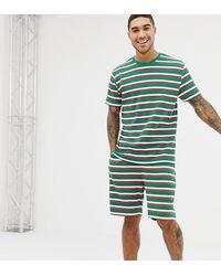 ASOS – Kurz-Pyjama für Weihnachten mit festlichem Streifenmuster - Grün