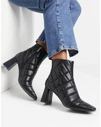 Stradivarius Quilt Detail Heeled Boots - Black