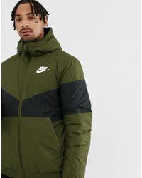 Nike Windbreaker In Green 928861-355