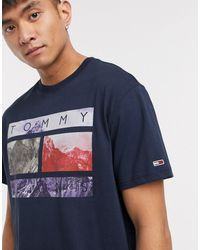Tommy Hilfiger – Marineblaues T-Shirt mit Foto-Flaggenprint