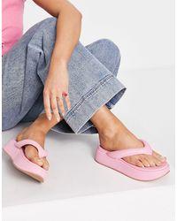 ASOS – ferris – sandalen mit dickem zehensteg und dicker sohle - Pink