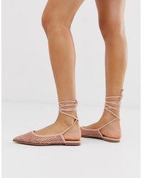 ASOS Lucid - Ballerines plates avec liens à nouer sur la jambe - Rose