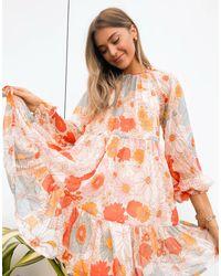 ASOS Vestido corto con diseño amplio a capas en estampado floral - Naranja