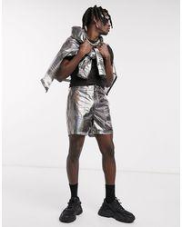 ASOS – Transparente Shorts mit futuristischem Print, Kombiteil - Mettallic