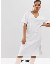 Boohoo Vestito T-shirt oversize con scollo a V bianco