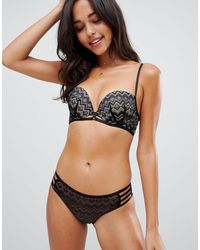 New Look Geo Lace Strapping Push Up Balcony Bra - Black