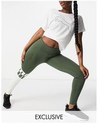 PUMA Зеленые Леггинсы С Серой Вставкой С Логотипом Training Эксклюзивно Для Asos-серый