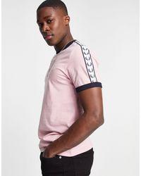 Fred Perry - Розовая Футболка С Контрастной Отделкой И Лентой Розовый-розовый Цвет - Lyst