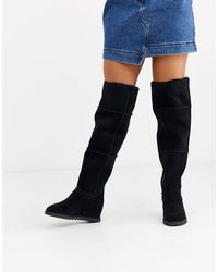 UGG Classic Femme Over The Knee Stiefel aus Veloursleder - Schwarz