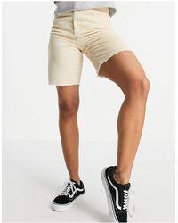 Reclaimed (vintage) Inspired – Longline-Dad-Shorts aus Cord im Stil der 90er - Weiß