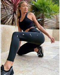 Nike One Tight - Legging Met Grafisch Logo - Zwart