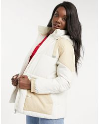 Calvin Klein Кремовая Дутая Куртка В Стиле Колор Блок -кремовый - Естественный