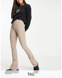 TOPSHOP Tall - pantalon évasé côtelé coupe skinny - taupe - Marron