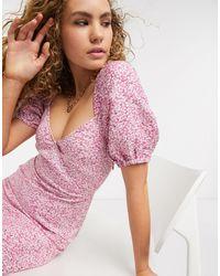 & Other Stories Vestido cruzado con manga abullonada y estampado floral rosa