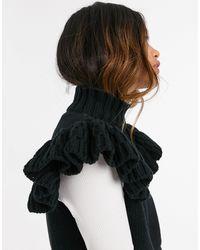 Y.A.S Canotta lavorata a maglia accollata con maniche con volant nera - Nero