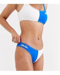 Ellesse – Exklusive, blaue Bikinihose mit hohem Beinausschnitt und Farbblockdesign