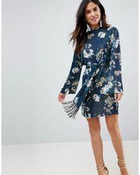 ASOS - Robe courte imprim oiseaux et manches kimono avec ceinture frange  nouer - Lyst d44d10248ec