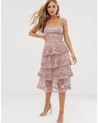 True Decadence Premium Midi-jurk Met Vierkante Halslijn, Camibandjes En Kant Met Een Gelaagde Rok - Roze