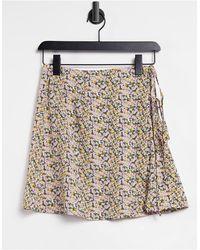 Fashion Union Exclusive – Mini-Strandrock mit Blumenmuster zum Wickeln mit Schnürung, Kombiteil - Mehrfarbig