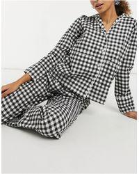 Daisy Street Pigiama a quadretti con top a maniche lunghe, pantaloni ed elastico per capelli - Nero