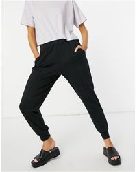 Y.A.S jogger With Front Seam - Black