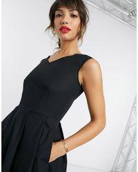 Closet Plus - Robe plissée mi-longue avec col V et ourlet plongeant - Noir