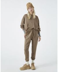 Pull&Bear – Trainingsanzug-Set mit Sweatshirt und Jogginghose - Braun