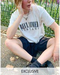 Reclaimed (vintage) – Inspired – Kurzes T-Shirt mit Schnürung am Hals, - Weiß