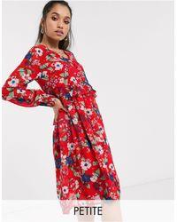 Vero Moda – Geblümtes Hängerkleid mit tief angesetzter Taille - Rot