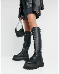 ASOS – Camera – Kniehohe, geschnürte Stiefel mit dicker Sohle - Schwarz