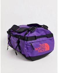 The North Face Фиолетовая Небольшая Сумка Дафл Base Camp - Пурпурный