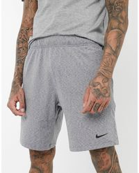 Nike - Nike – Yoga-Shorts - Lyst