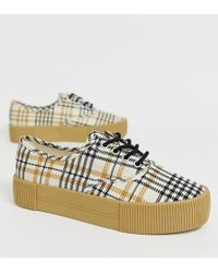 Monki Flatform Trainers In Check Print - Natural