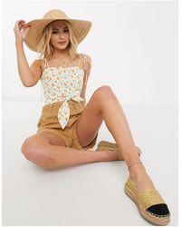 Skylar Rose Top estilo camisola con mangas anudadas y estampado - Blanco